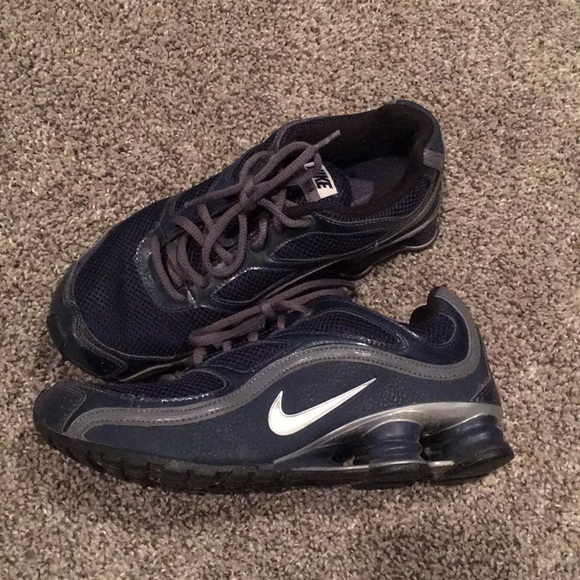 the latest b6366 4dc30 EUC Nike Shox Turbo 9 Navy Kids 6y